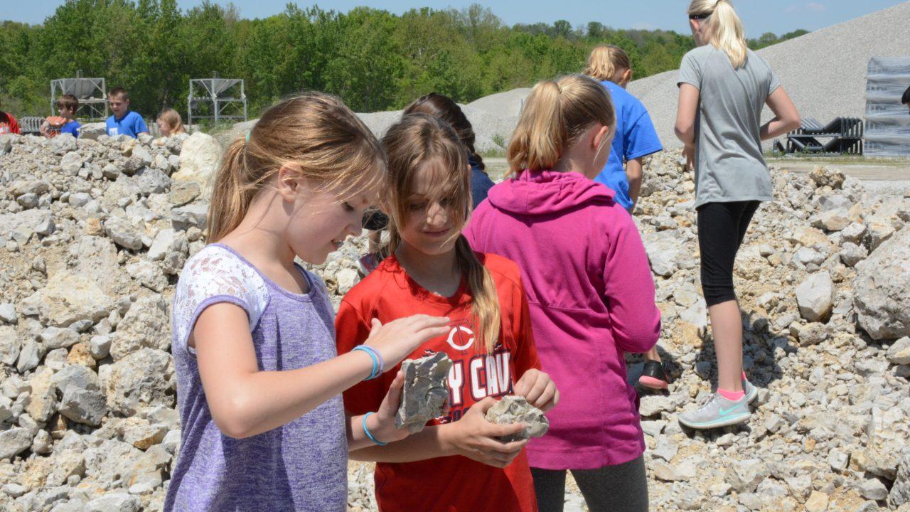 delphi school visit analyzing rocks